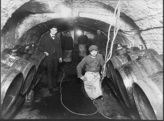 Lagerkelder, Georges Marres en personeel