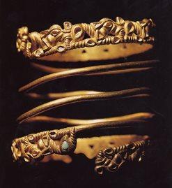 Sarmatiane spiraal armband met dierenfries