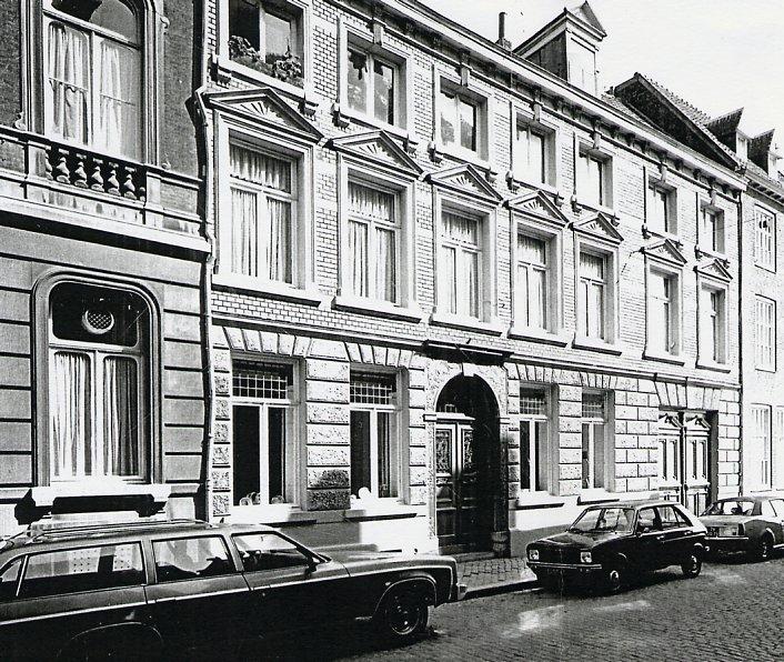 kleine Gracht 4 te Maastricht Foto collectie RHCL te Maastricht, inv. nr. 39622.