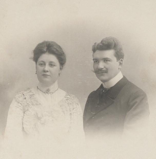 Het jonge echtpaar Marres-Houtappel in 1902
