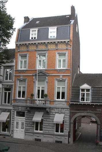 Huis en brouwerij Marres op het O.L.Vrouweplein te Maastricht