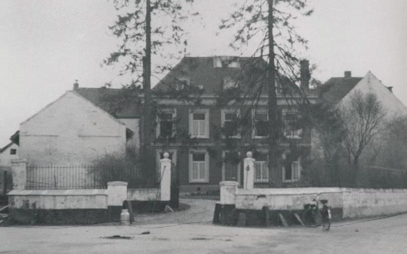 Het Pannenhuis rond 1900. Coll.& © RHCL te Maastricht