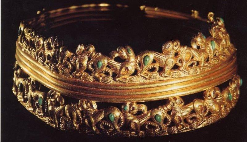 sarmatische halsband met dierenfries