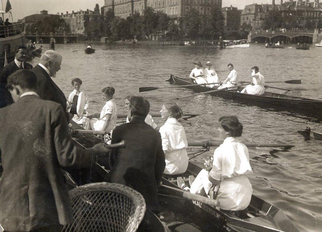 Thetis wint de 1e prijs op de 'Koninklijke' 20 juni 1915
